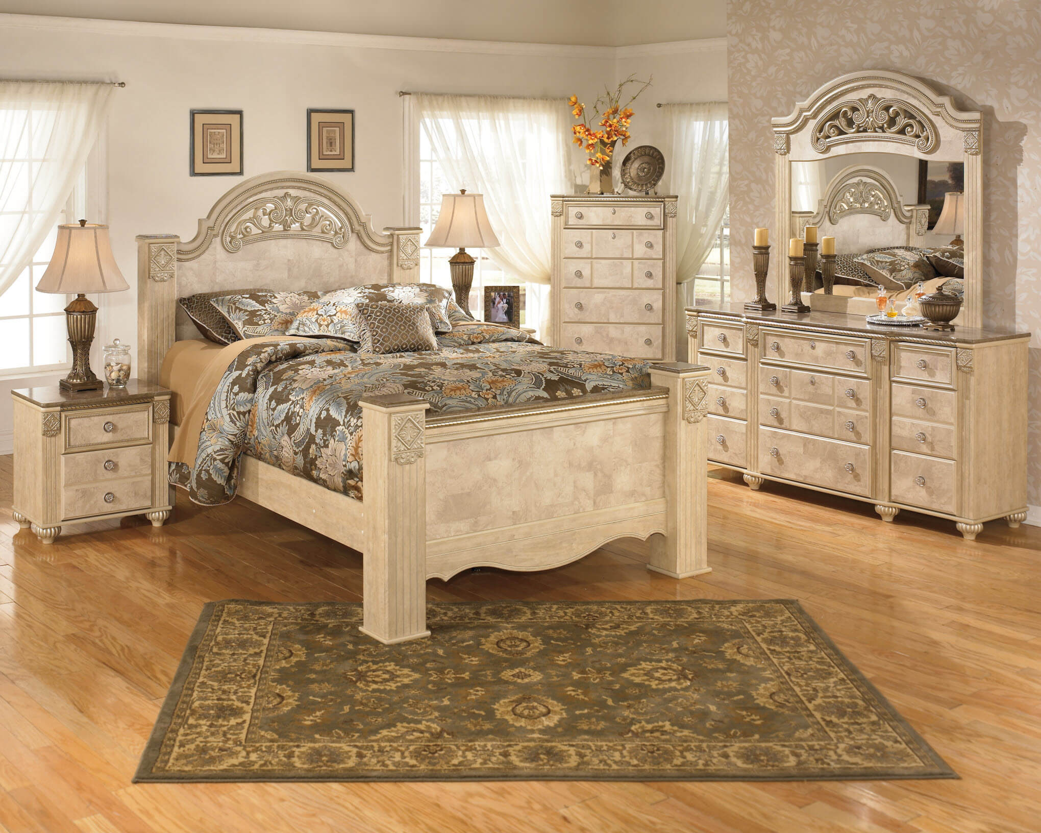 B346 Ashley Saveaha Old World Bedroom Set-DISCONTINUED