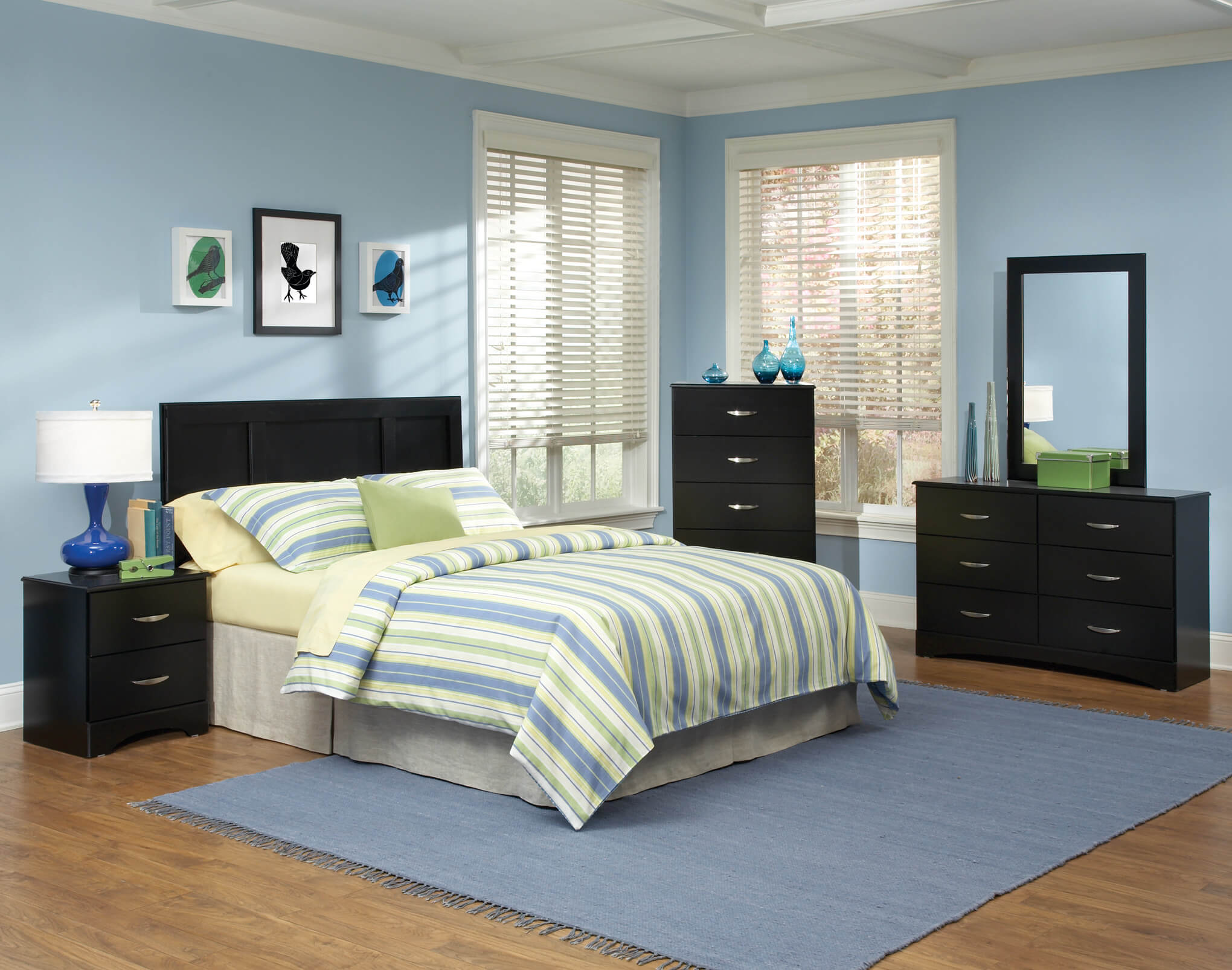 115 Kith Jacob Black Bedroom Set