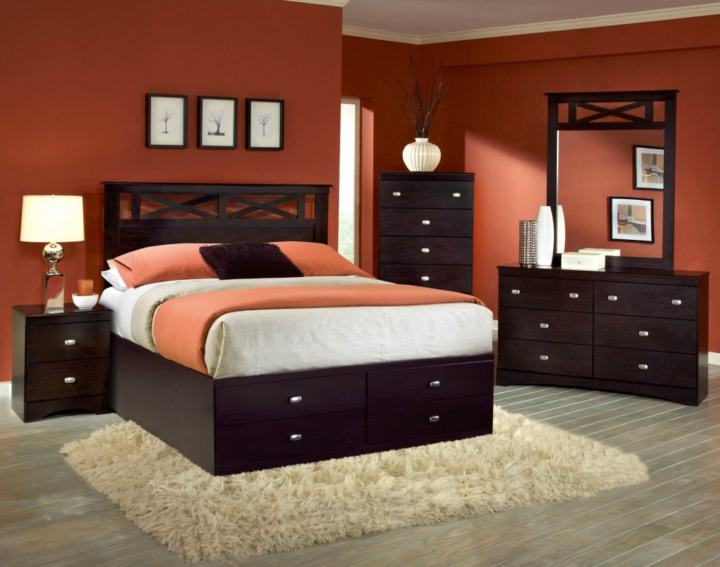 Tyler 5 pc set with queen storage bed bedroom sets for Bedroom set with storage drawers