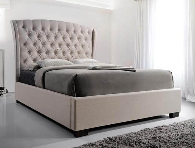 Kaitlyn Tufted Bed
