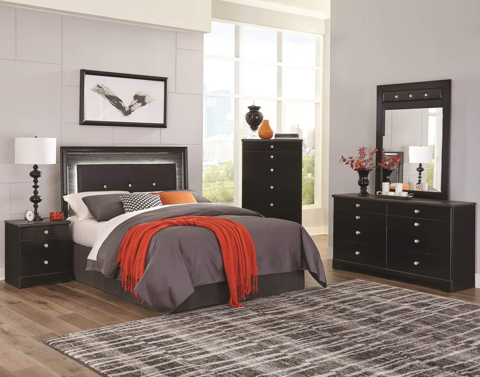 335 Kaylynn Bedroom Set
